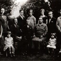 Família Portinari. Brodowski, 1927.